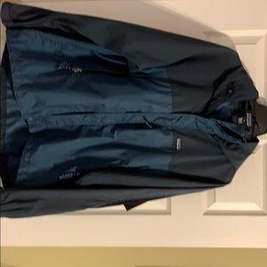 Patagonia winter soft shell jacket,adjust. hood L